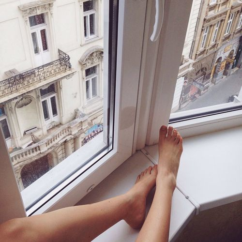 Hey there from Budapest! Looking down at the sleepy streets of Budapest ? Enjoying Life Lookingdown Legs Tumblrgirl Elegance Everywhere The EyeEm Facebook Cover Challenge Holiday POV Aerial Shot