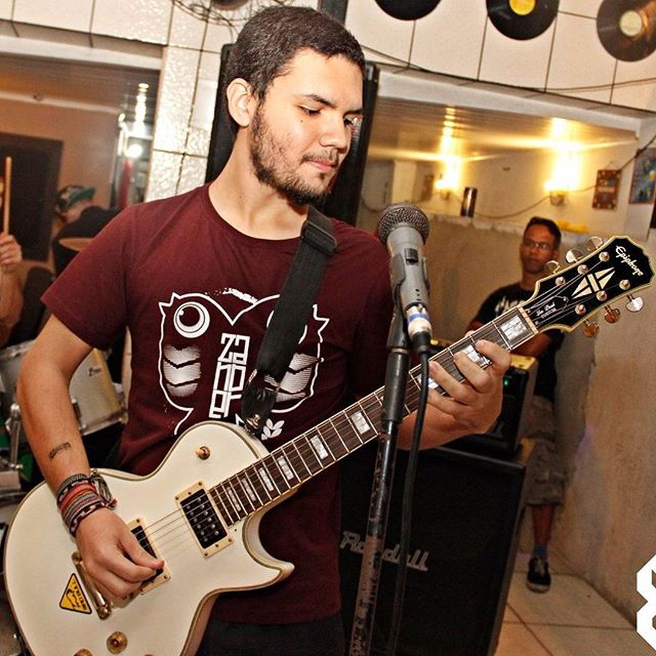 Show do Our Conception no Encosta na Quebrada 6 no Central do Brasil em Santos (29/08/2015) Foto por: @muxxxis Ourconception Show Foto Epiphone Lespaul Central Lespaulcustom