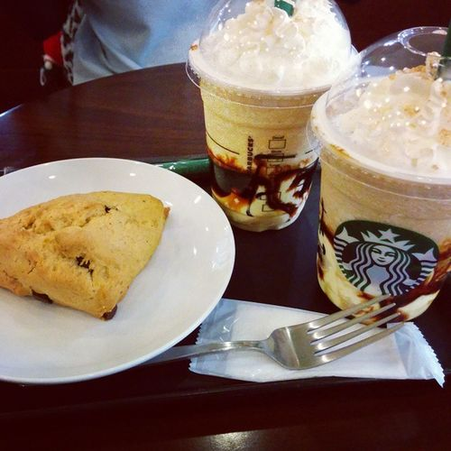 I went to StarbucksCoffee w/ Yui? 幼教楽し~い(^O^)新作美味かった~ Starbuckscoffee Myfriend Afterschool  学生会 幼教1組尚絅短大
