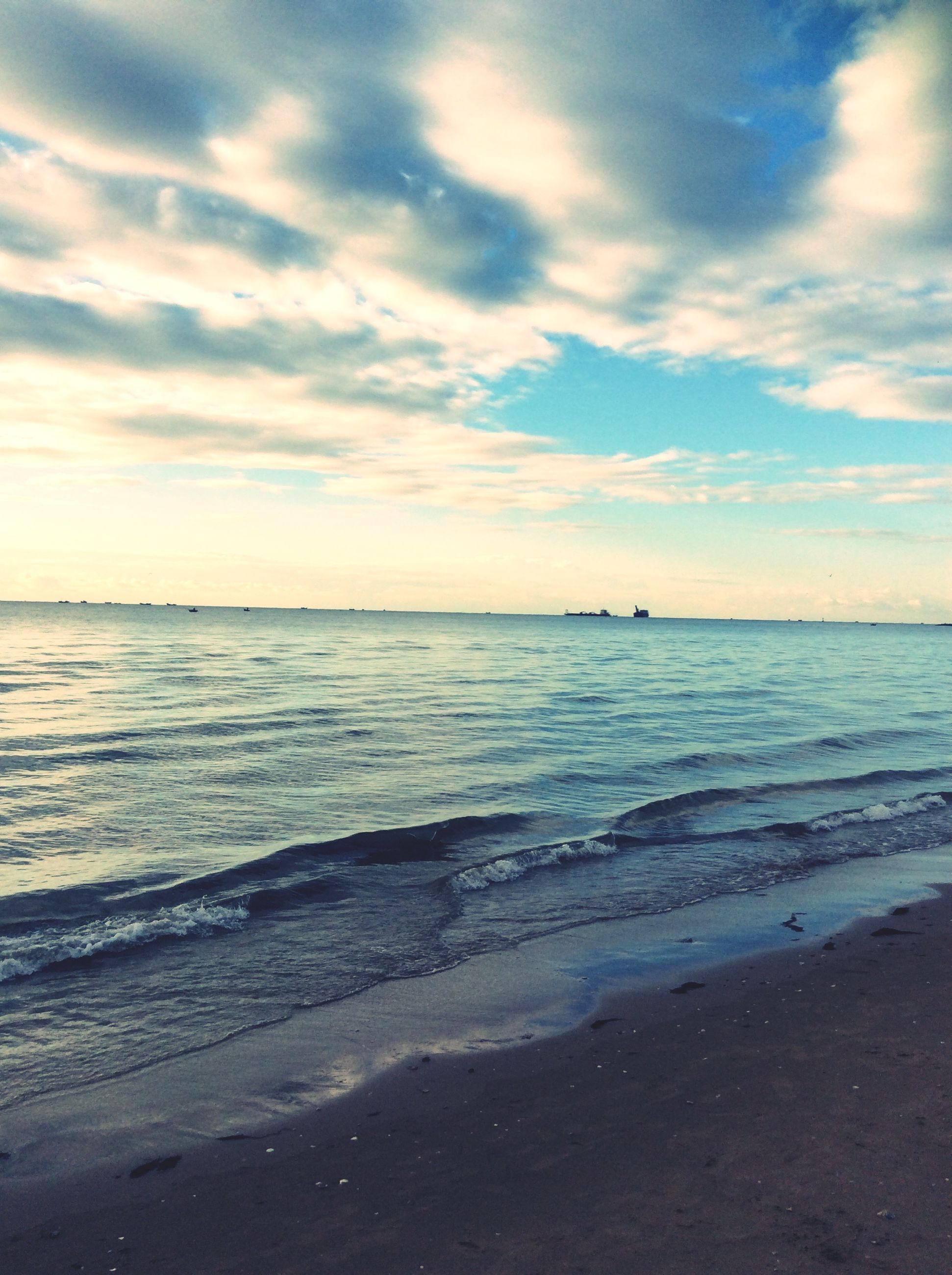 sea, beach, horizon over water, water, sky, shore, scenics, tranquil scene, tranquility, beauty in nature, cloud - sky, sand, nature, wave, idyllic, sunset, cloud, coastline, cloudy, surf
