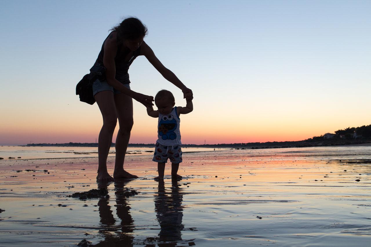 9,5 mois Bebe Marcher Premiers Pas 9 Mois Sunset Plage