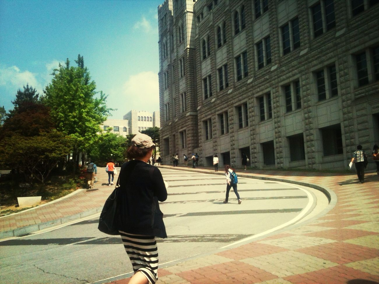 last year at University Taking Photos Hanging Out Go-ryeo University. High-level school. When I visited as a field-trip of school