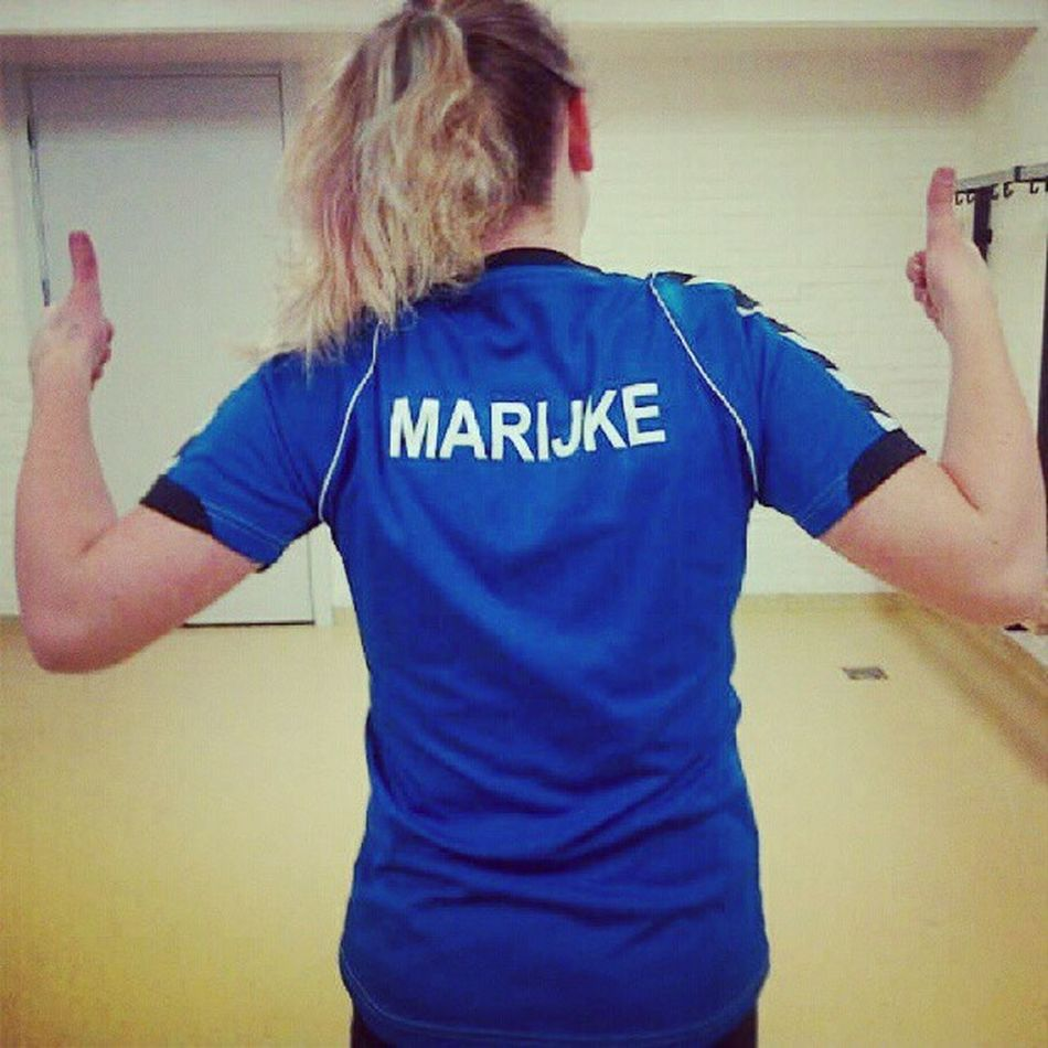 Korfbal Sport Clothes Sportclothes sporthal bleu shirt thumps up name haha i just like this picture a lot n-n