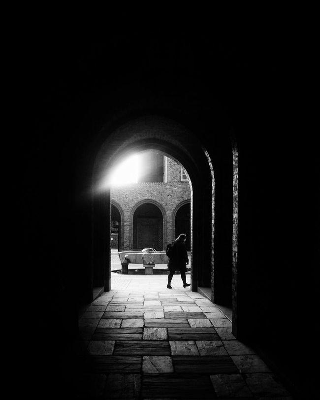Passage Arch Archway Shootermag Monochrome Streetphoto_bw EyeEm Best Shots - Black + White Silhouette Street Photography