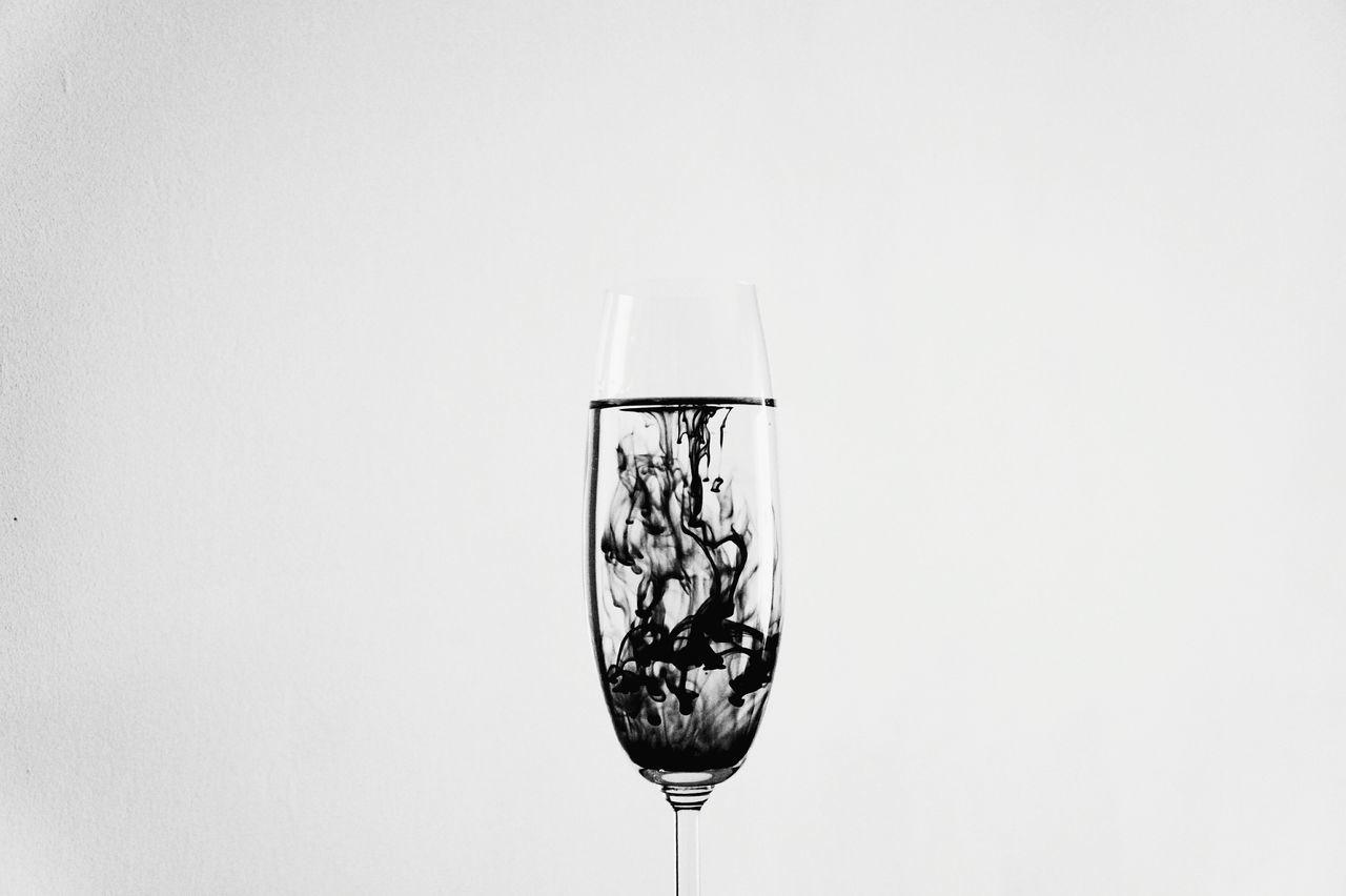 studio shot, white background, copy space, no people, wineglass, close-up, drink, food and drink, alcohol, freshness, day