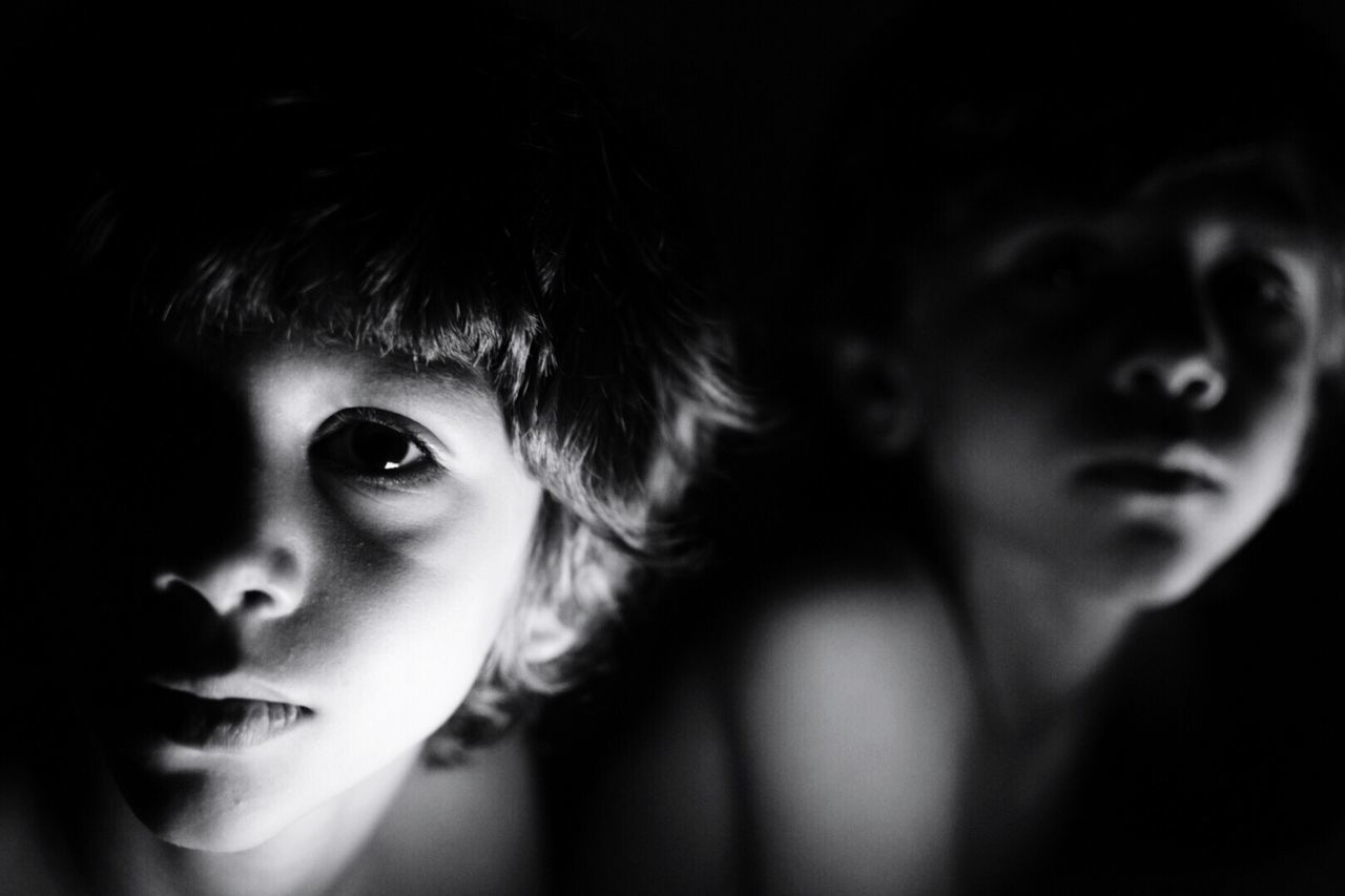 Illuminated Real People Looking At Camera Lifestyles Close-up Indoors  Portrait Childhood Day Nikon Nikonphotography Low Light Brothers Twins Blackandwhite Black & White The Portraitist - 2017 EyeEm Awards Black And White Friday