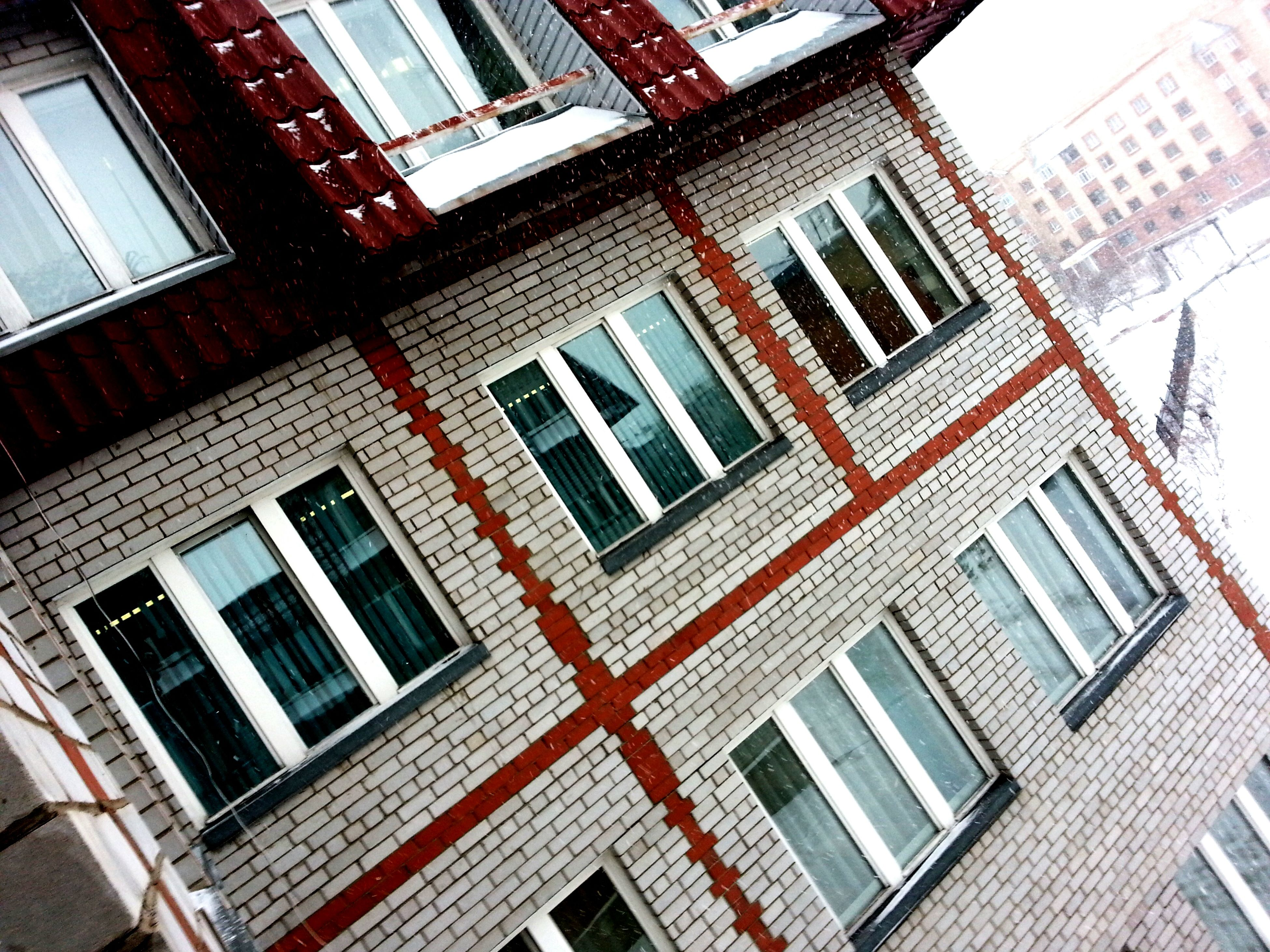 architecture, building exterior, built structure, window, low angle view, residential building, residential structure, building, day, city, balcony, outdoors, apartment, no people, full frame, house, glass - material, facade, sunlight, sky