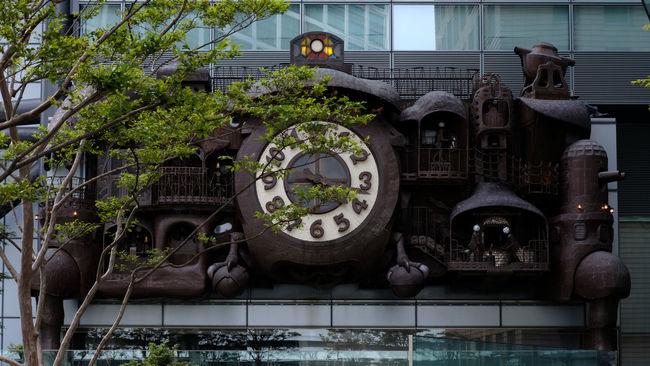 Architecture Art Built Structure Clock Clock Art Day Fujifilm Fujifilm X-pro2 Fujifilm_xseries Nippon Television No People Ornate Outdoors Plant The Street Photographer - 2016 EyeEm Awards Tree Xf35mmf2