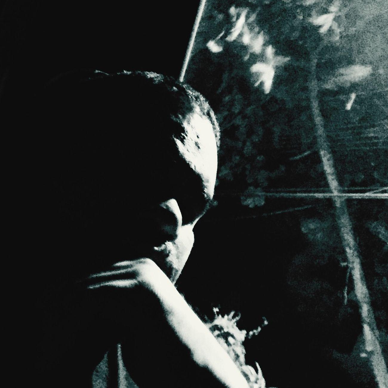 Eu varro a sala, eu rego as plantas Abro as janelas pro ar circular Faço uma faxina pra limpar a casa Faço uma faxina pra arrumar a vida Pra dissolver e recompor Até os infortúnios tem o seu valor Na oportunidade de aprender com a dor Portanto, a gratidão jorra pela fonte do meu coração Tá no interior e ao redor No trabalhar, no querer Faz e não dá ponto sem nó É o MistérioEu varro a sala, eu rego as plantas Abro as janelas pro ar circular Faço uma faxina pra limpar a casa Faço uma faxina pra arrumar a vida Pra dissolver e recompor Até os infortúnios tem o seu valor Na oportunidade de aprender com a dor Portanto, a gratidão jorra pela fonte do meu coração Tá no interior e ao redor No trabalhar, no querer Faz e não dá ponto sem nó É o Mistério, é o Poder, é o Poder... Forfun Dissolver_e_recompor