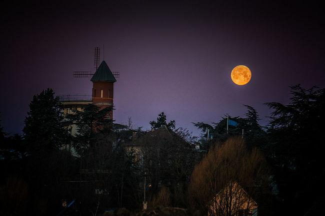 Pleine lune du 25 janvier et le moulin d'Orgemont. Lunapiena Moon Nightphotography Lune Pleine Lune Hello World Eyeem France Authentic Moments Eye4photography