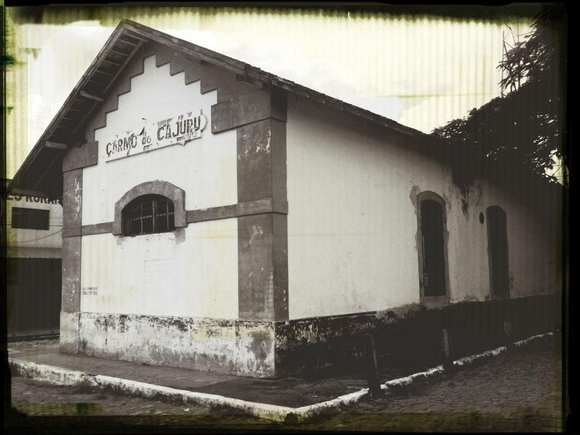 Antiga Estação Ferroviária Ingress -Submetendo Portais
