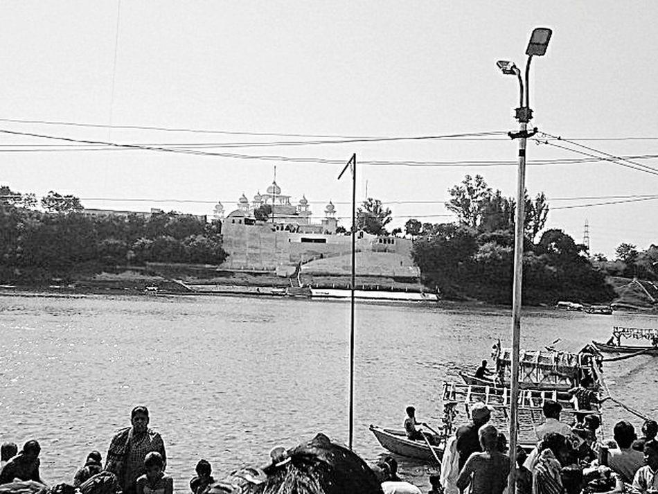 River Bank View Narmada River People Water Gurudwara Blackandwhite Photography Boats⛵️
