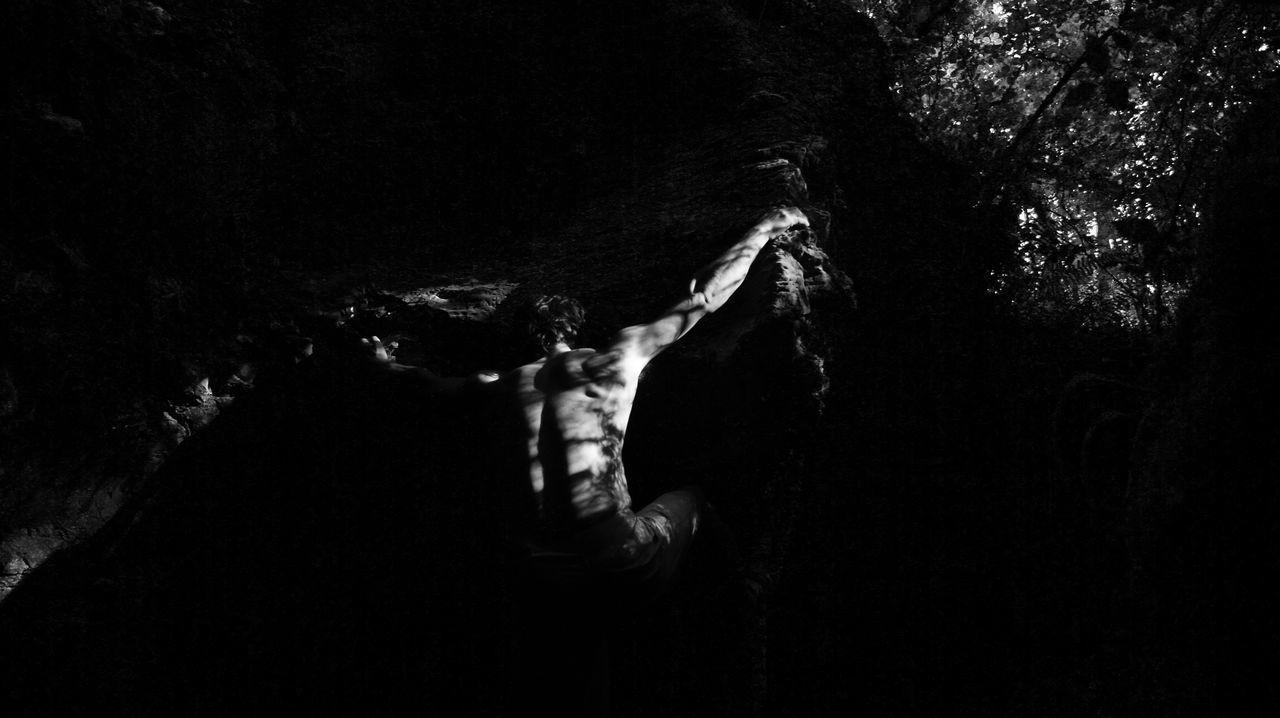 Libertad en el bosque encantado, baralla Bouldering Black & White Sportsphotography Sports Photography SportsPhotographer