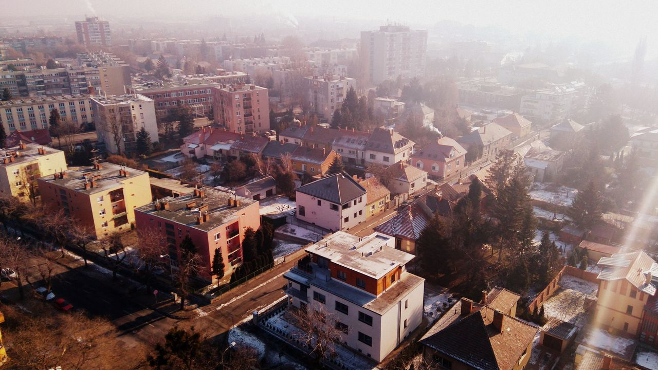 Made by Sony Xperia M4 Aqua Architechturaldesign Architecture Building Exterior Built Structure City Cityscape Fog Foggy High Landscape Morning Old Water Tower Outdoors Sky Smoke Street Streets Szombathely Water Tower Winter