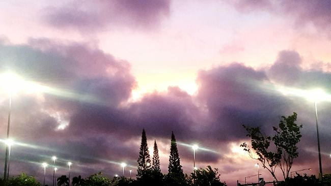 Sun going down... Kauai Sunset Kauai Hawaii My Hometown MyKauai Mylife Sunset Painted Sky Showcase June