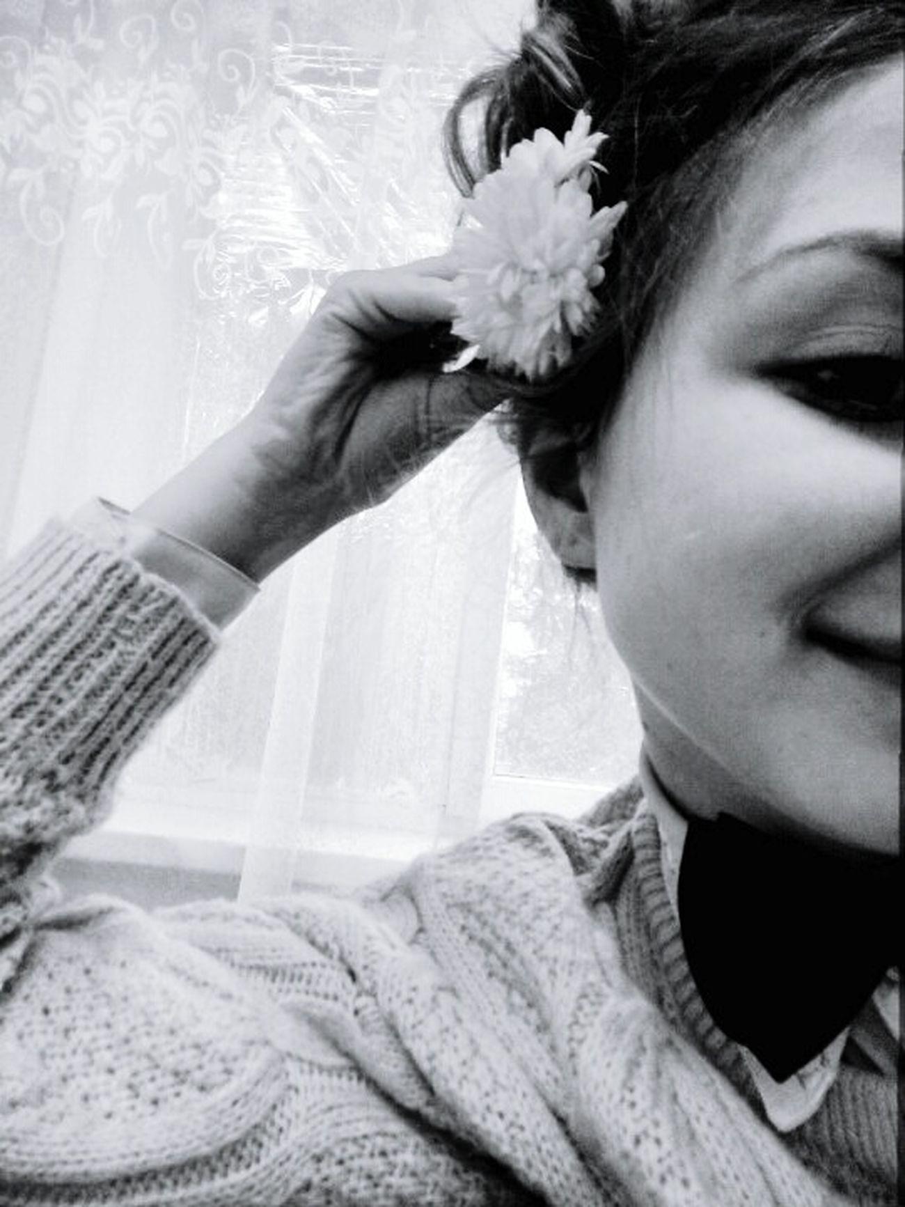 Цветочек🌸 цветок  Face Beautiful милая красивая мое_фото школа😁 Scool Morning Morning хочу весну Hello Desember Goodbye . Flower Close-up One Person Human Face Women Real People Lifestyles Portrait Young Adult Adult