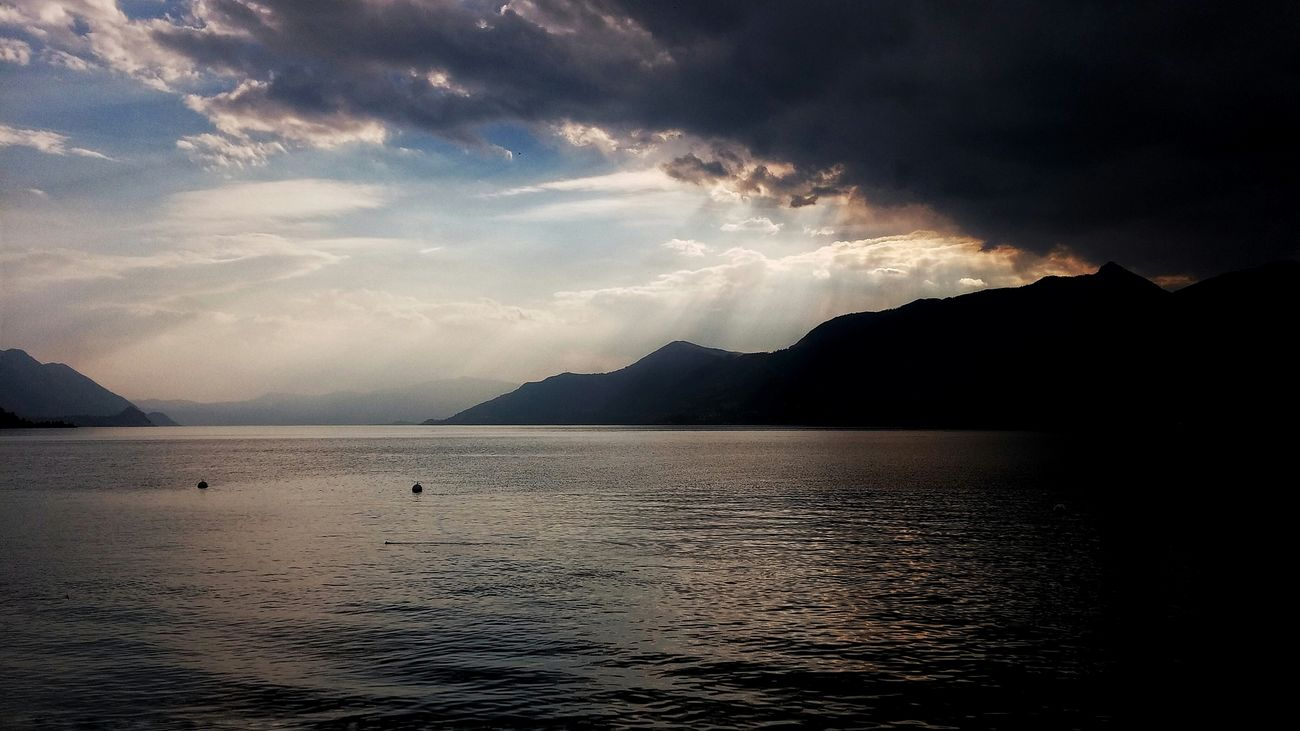 Mountain Landscape Nature Sky Outdoors Beauty In Nature Water No People Milky Way Astronomy Luino Lombardia EyeEm Best Edits EyeEm Gallery EyeEmBestPics Lake View EyeEm Italy Day Reflection Nature Dramatic Sky Italy Clouds And Sky Lake Waves