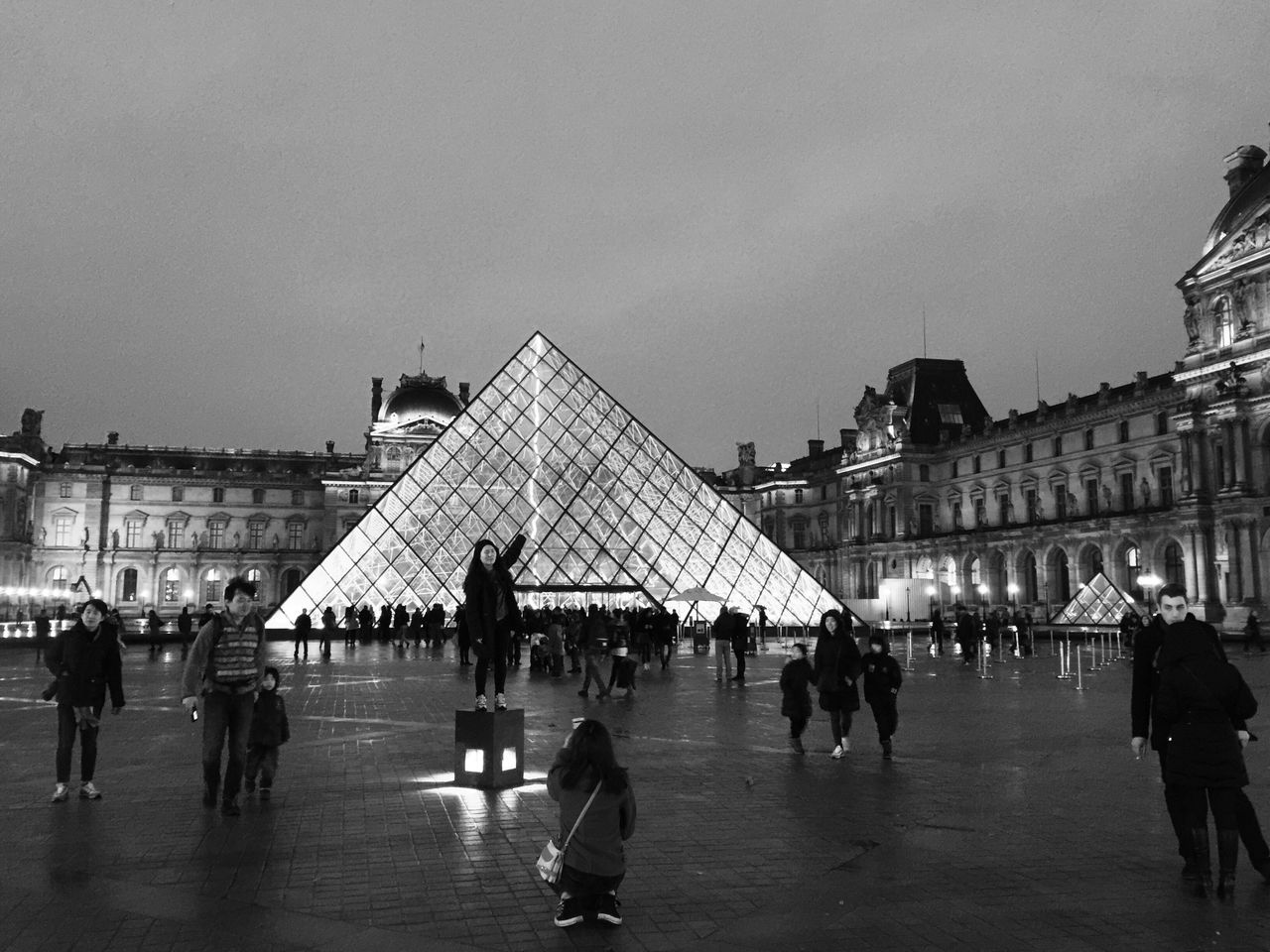 Architecture Bnw_friday_eyeemchallenge Building Exterior Real People Museum Time Louvre Pyramide Du Louvre Outdoors Nightphotography Night Lights