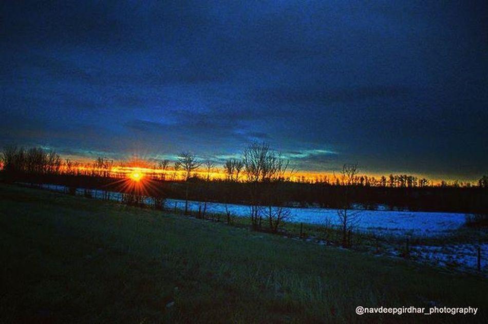 Sunrise near Elk Island National Park Nikon Nikond3200 Nikonusa Nikoncanada Dslrphotography Outdoorphotography Sunrise Prairies Landscape TBT  Photoofthedays Helloworld Hello I4i Instagram Instapic Instagood