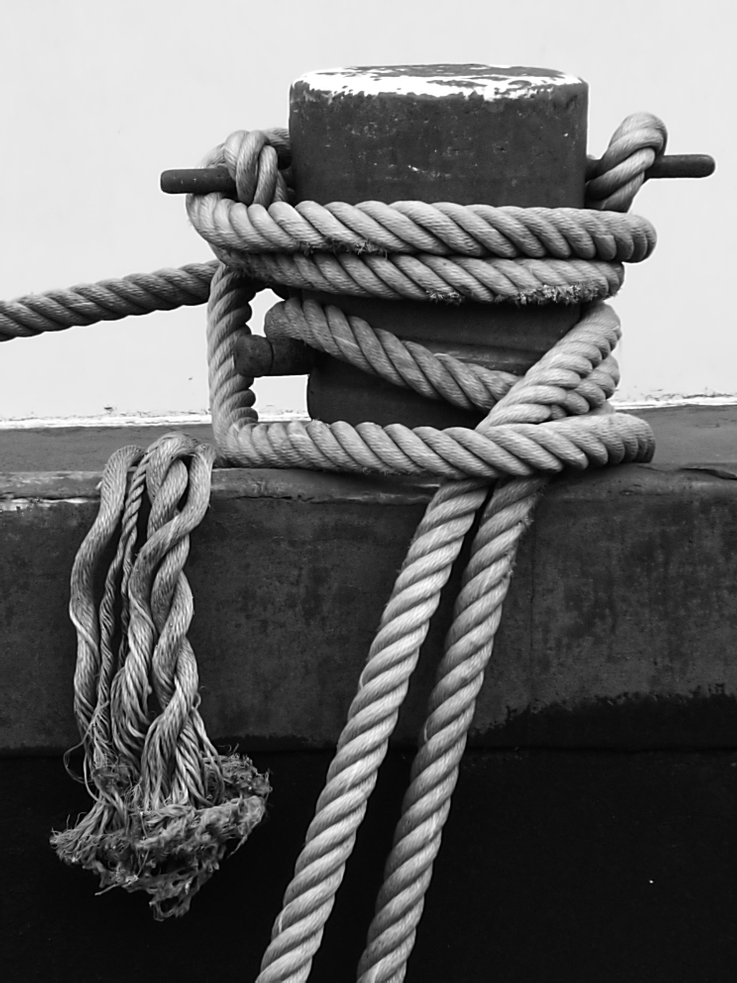 rope, strength, tied up, nautical vessel, tied knot, transportation, no people, close-up, cleat, connection, day, harbor, sea, outdoors, pulley, tied, nautical equipment, boat deck