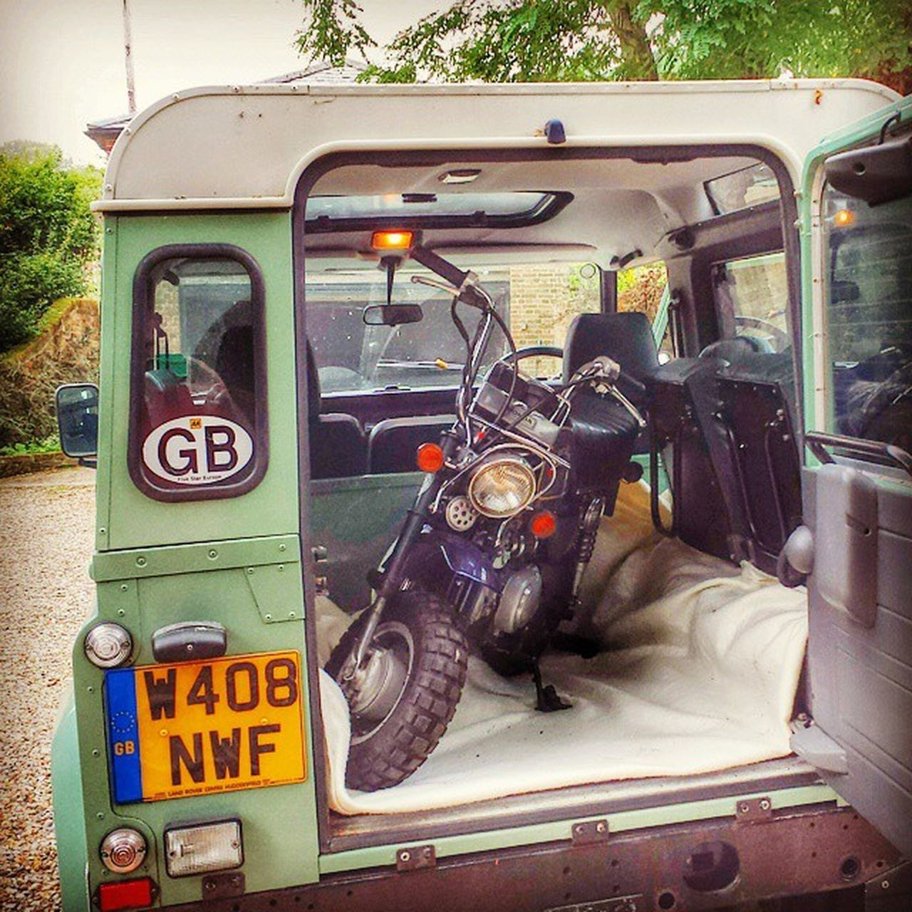 All options covered ☺ Landrover  Defender Landroverdefender Landy Hondaz50j Hondaz50 Hondamonkey Hondagorilla