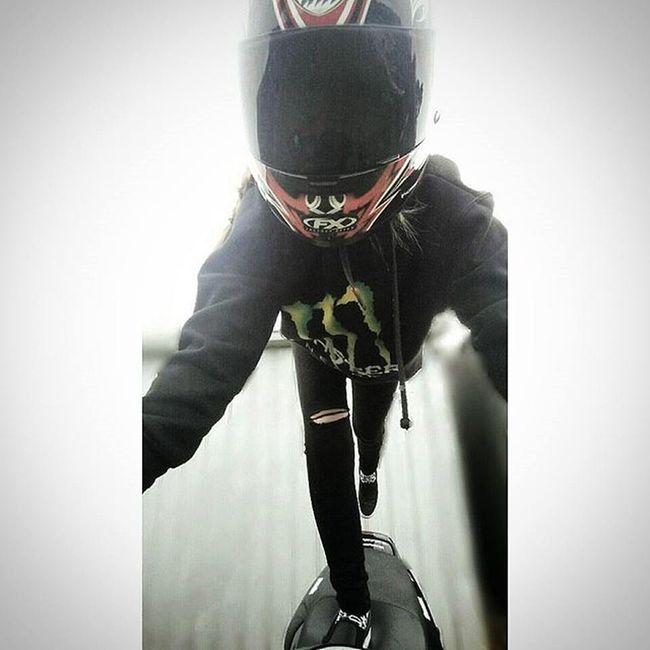 Trying something a little different 👊 Monsterenergy Stuntlife Stunts Motorcycle_mafia Motorcycle_edits Sportbikeenvy SportBikeLife Shift_life Suzuki Bikergirlsofinstagram Bikeswithoutlimits Riderich Ridersalute Clutchpop Sportbikemods Killswitchbikes Fastbikes Sportbike Rollingontwo Universalbikers Saaraazh Fat_sportbike_pride Sportbikeenvy