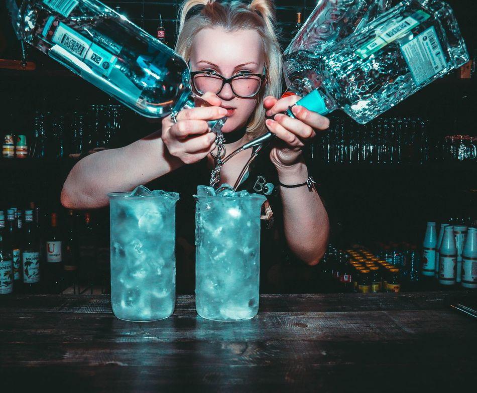 Girl Woman Barman Alcohol Work Barwoman Vodka Whyskey Glass Beauty