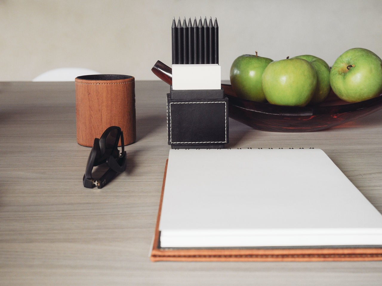 Beautiful stock photos of granny, Apple - Fruit, Art And Craft Equipment, Container, Copy Space