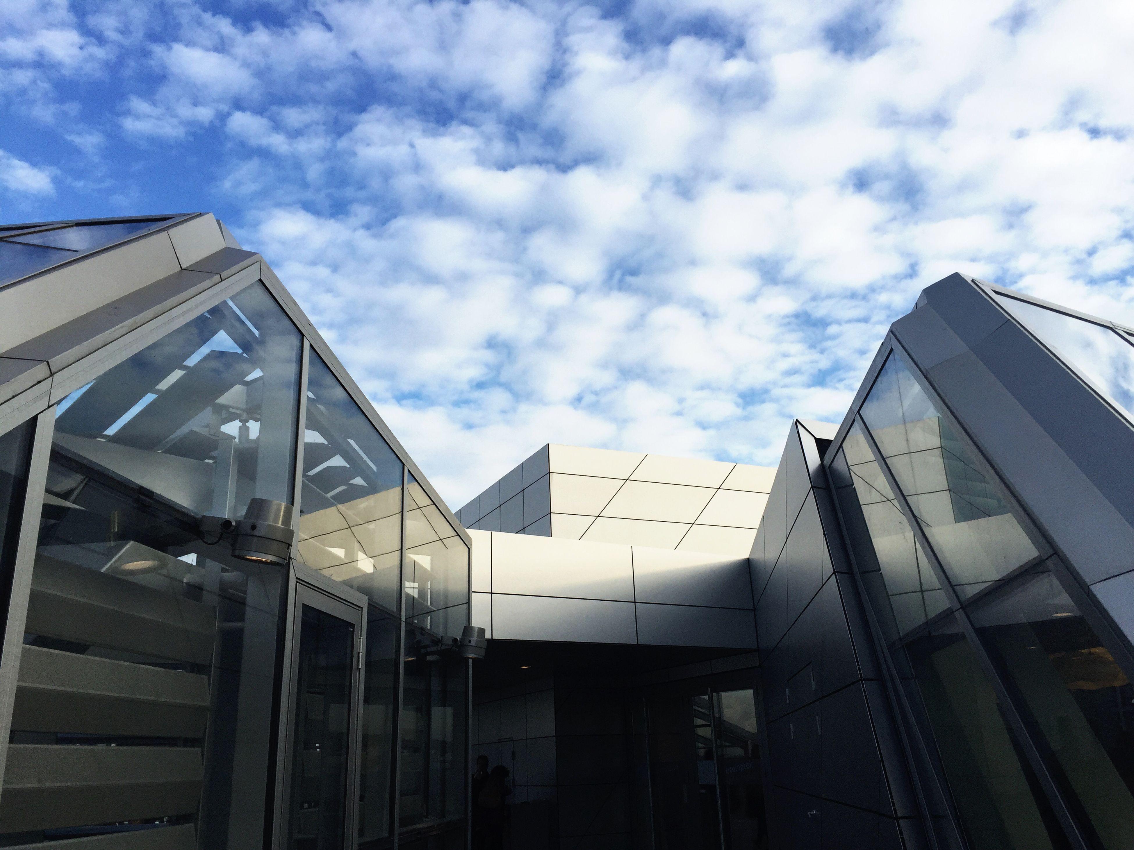Looking Into The Future Futuristic Architecture Sky City Museum Urban Geometry