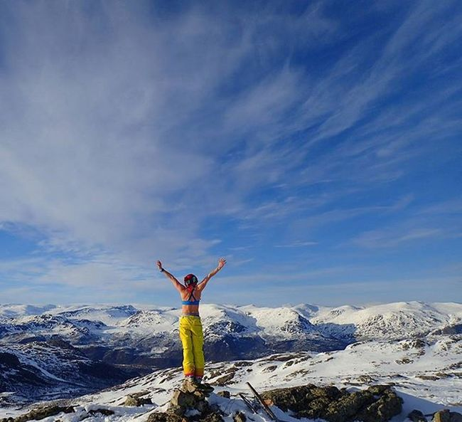 👿👿💃💃sKi touRiNg aT eigHt o'cLocK iN thE eVeNiNG➡priCeLeSs💃💃👿👿 Hemsedalsfjellet Hemsedal Buskerud Mittnorge Mountaingirls Mountainsofnorway Landscapesofnorway Wu_norway I_love_norway Utno Turjenter Turjenterno Sportaddict Damgooddays Maxjoy Outdoorwomen Loves_mountains Montagne_my_life Loves_nature Loves_norway Söndag Ilovespring Backcountryskiing Skitouring Norsknatur ig_neverstopexploring lifeisgood ridewithaview topptur