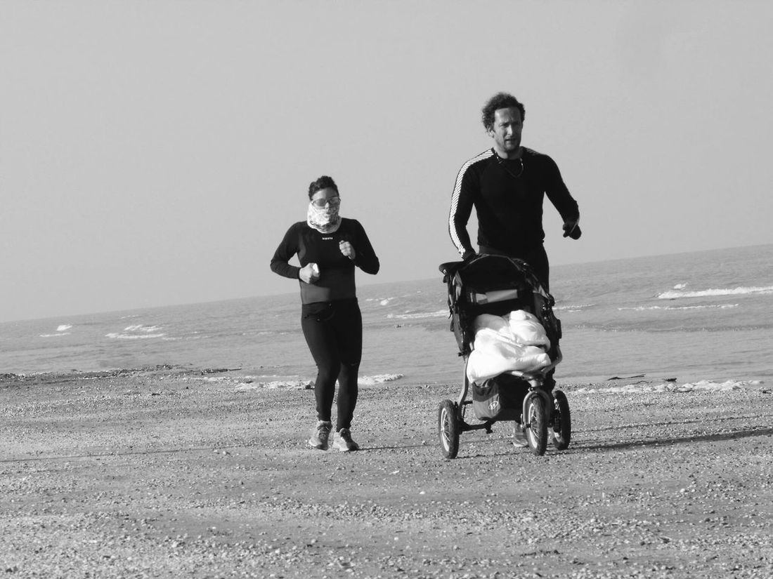 Sports Family Time Enjoying Life Beach Jogging Time Together Healthylife