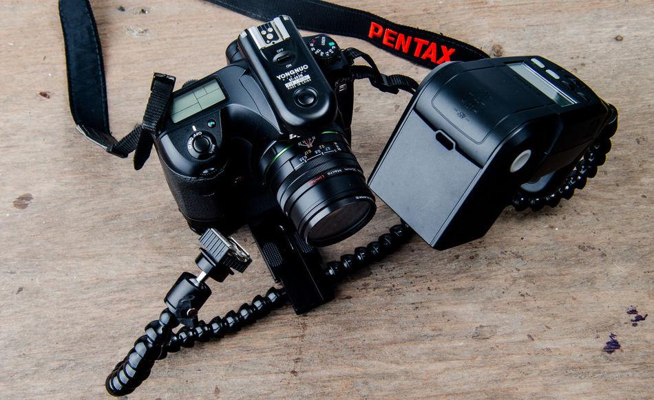 Macro flash Camera - Photographic Equipment Camera - Photographic Equipment Close-up Day DSLR Dual Arm Flash Hotshoe Flash Indoors  No People Pentax Pentax K20d Studio Shoot Technology