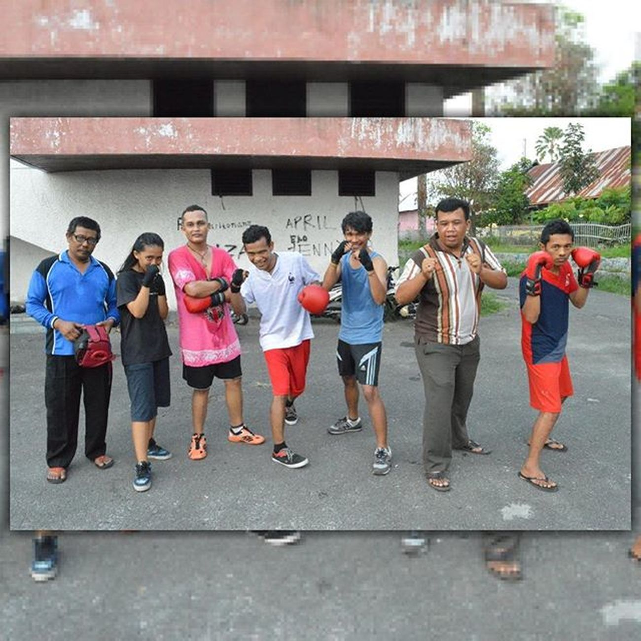"""PERTINA Simalungun"", we are the fighter, we not use luxury or expensive equipment we not use money we use talent...Tinju Tinjuindonesia Petinju Petinjuindonesia Boxing Boxer Fighter Sport Olahraga Koni INDONESIA"