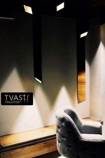 #uniquewoodwork #lighting #custommade #chandelier #interiordesign #interior #interiordesigner #ahmedabad #ceiling #brassinlayinceiling #brass #grey #italianmarblefloor #interiordesignersinahmedabad #customchair #chair #tufted #tuffs #quillting #woodenchair #luxurioushome #lights #uniquedetails #interiordetails #tvastrcreator