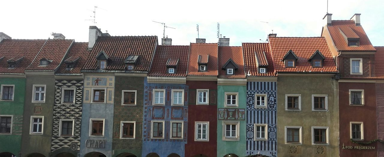 Building Exterior Architecture Window City Built Structure Sky No People Travel Destinations Outdoors Business Finance And Industry Skyscraper Day Urban Skyline Poznań Poznań Poland Poland Colour Old Market Square Market Oldtown So Beautiful  Must See The Architect - 2017 EyeEm Awards