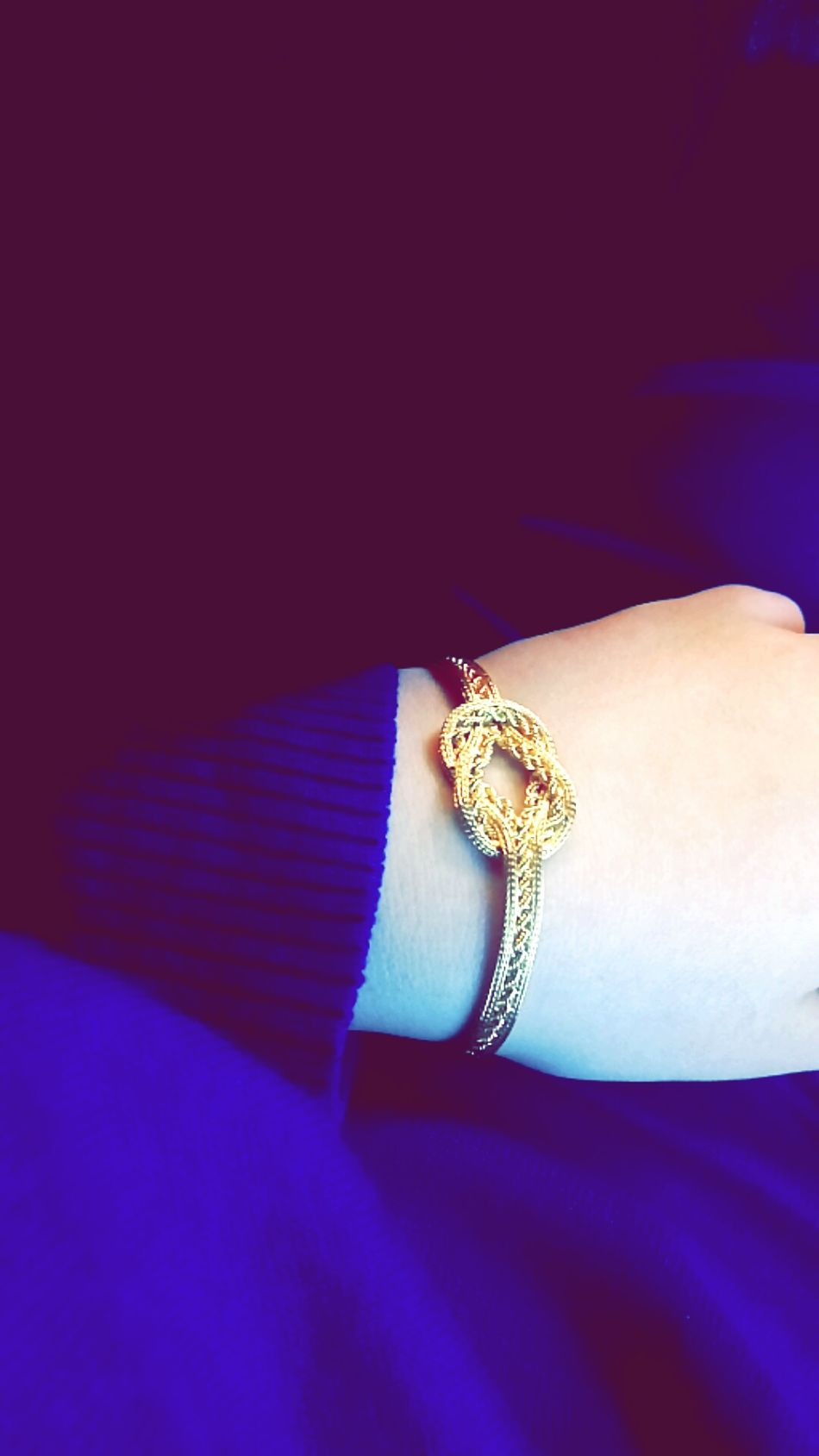 Millionnaire Adults Only Ring Luxury Adult Wealth People One Person Close-up Red Carpet Event Premiere Day Gold Altin Turkey Hello World Travel Turkishairlines Snow ❄ Cold Winter ❄⛄ Golden Wristband Wristbands Istanbul Boğaz Köprüsü