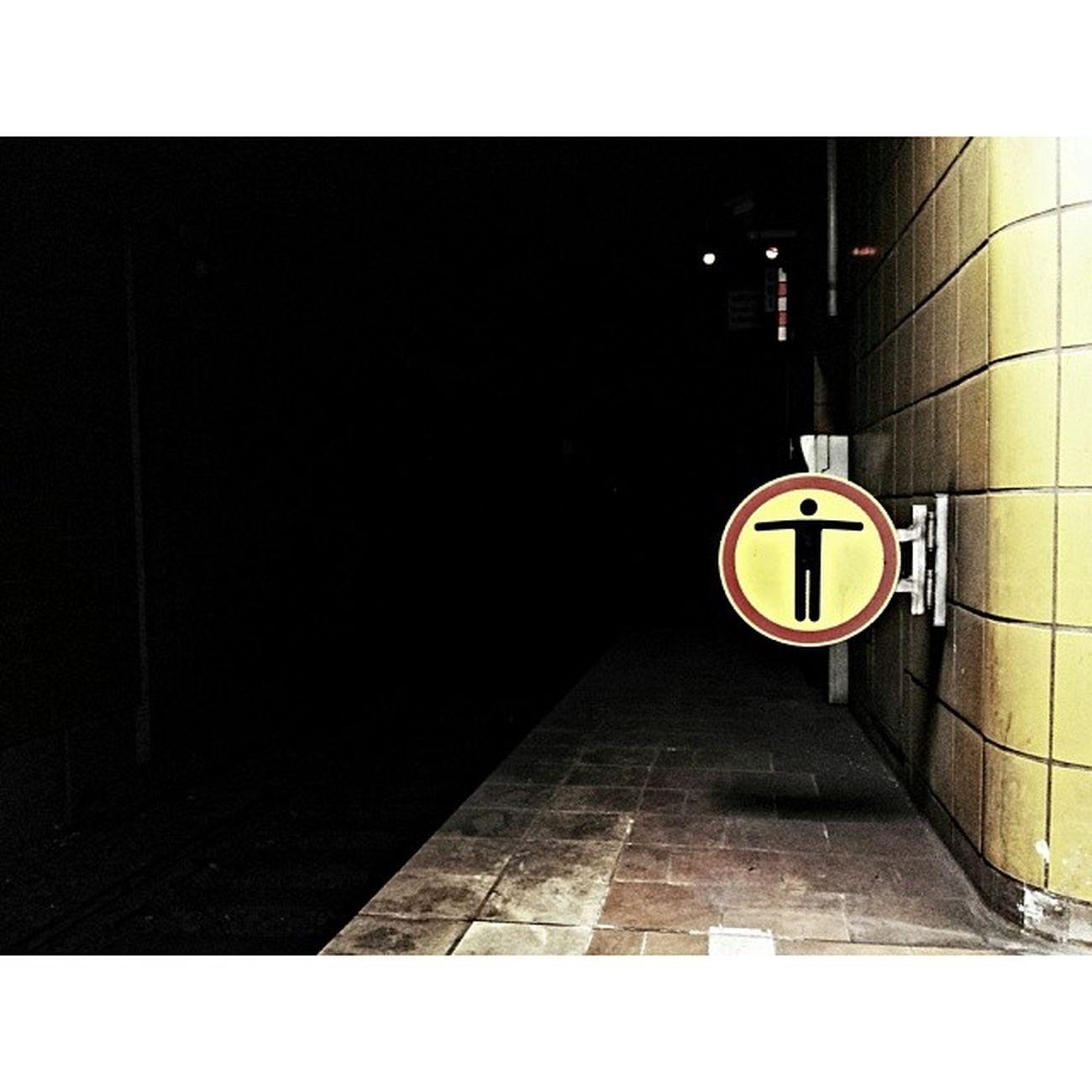 A light at the end of the tunnel? Tunnel Undergroundstation Underground Ubahn ubahnstation sign schild vsco vscocam vscophile vscogram vscoism vscolover