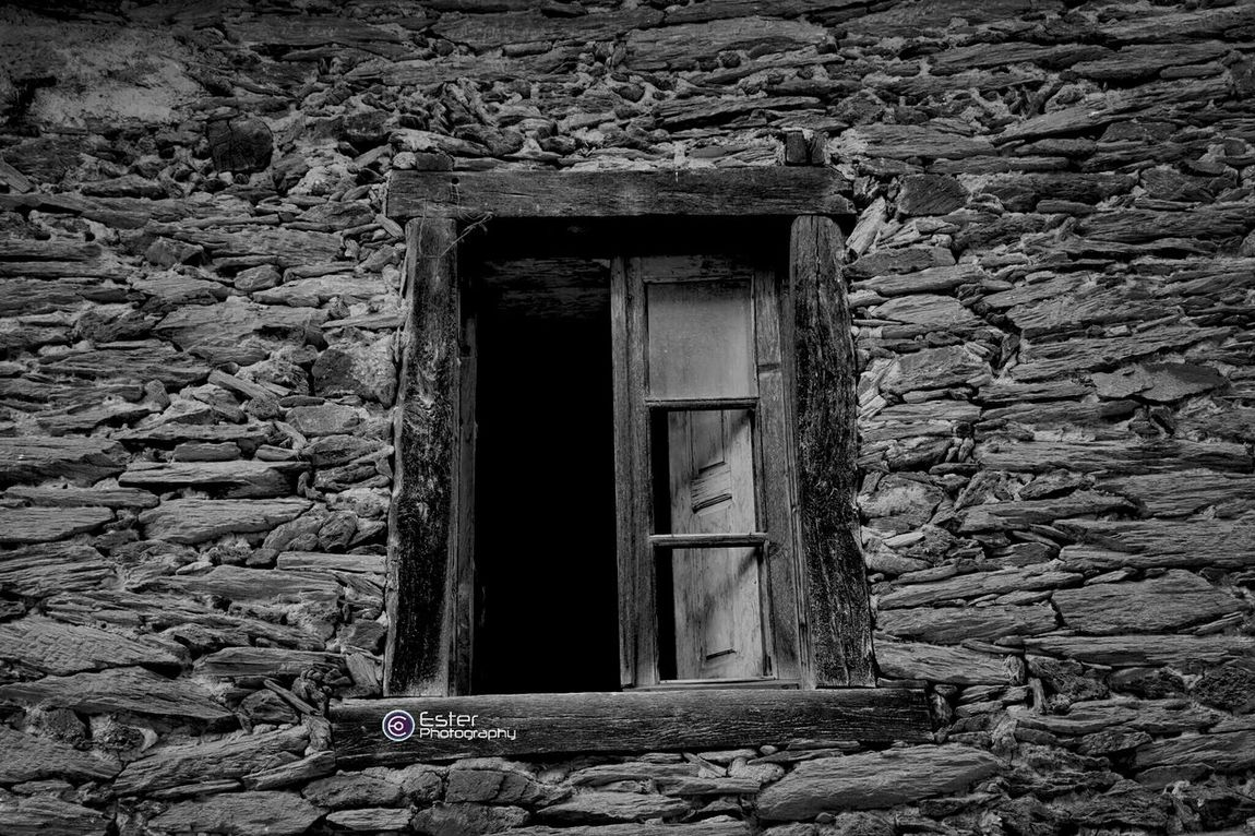 Where no one looks. Eye4photography  Españoles Y Sus Fotos Black And White Windows