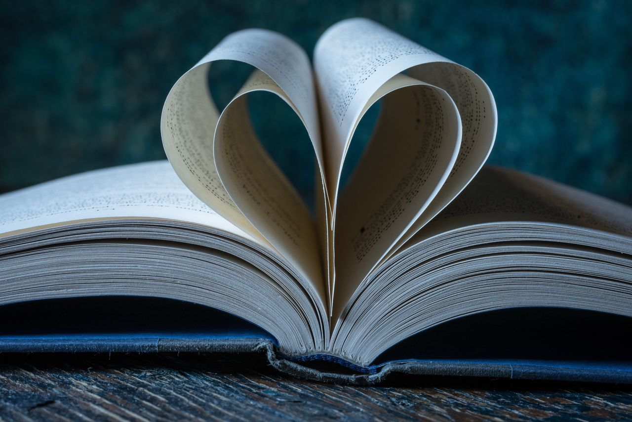 I love to read! Book Page Education Literature Knowledge Wisdom Learning Photooftheday National Read A Book Day National Reading Day World Book Day World Book Week Photography Heart Love Reading Read Taking Photos