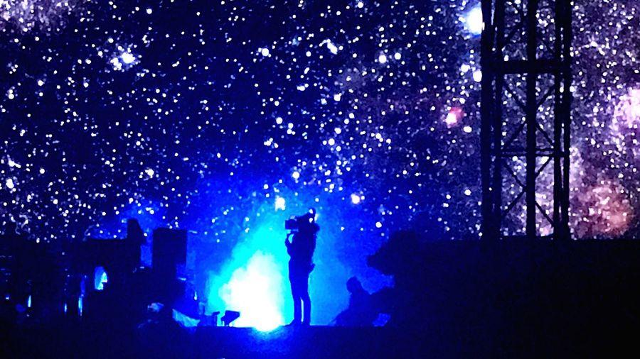 CAMARA MAN Lifestyles Arts Culture And Entertainment Nightlife Camaraman Working Pinkfloyd Concert Rogerwaters