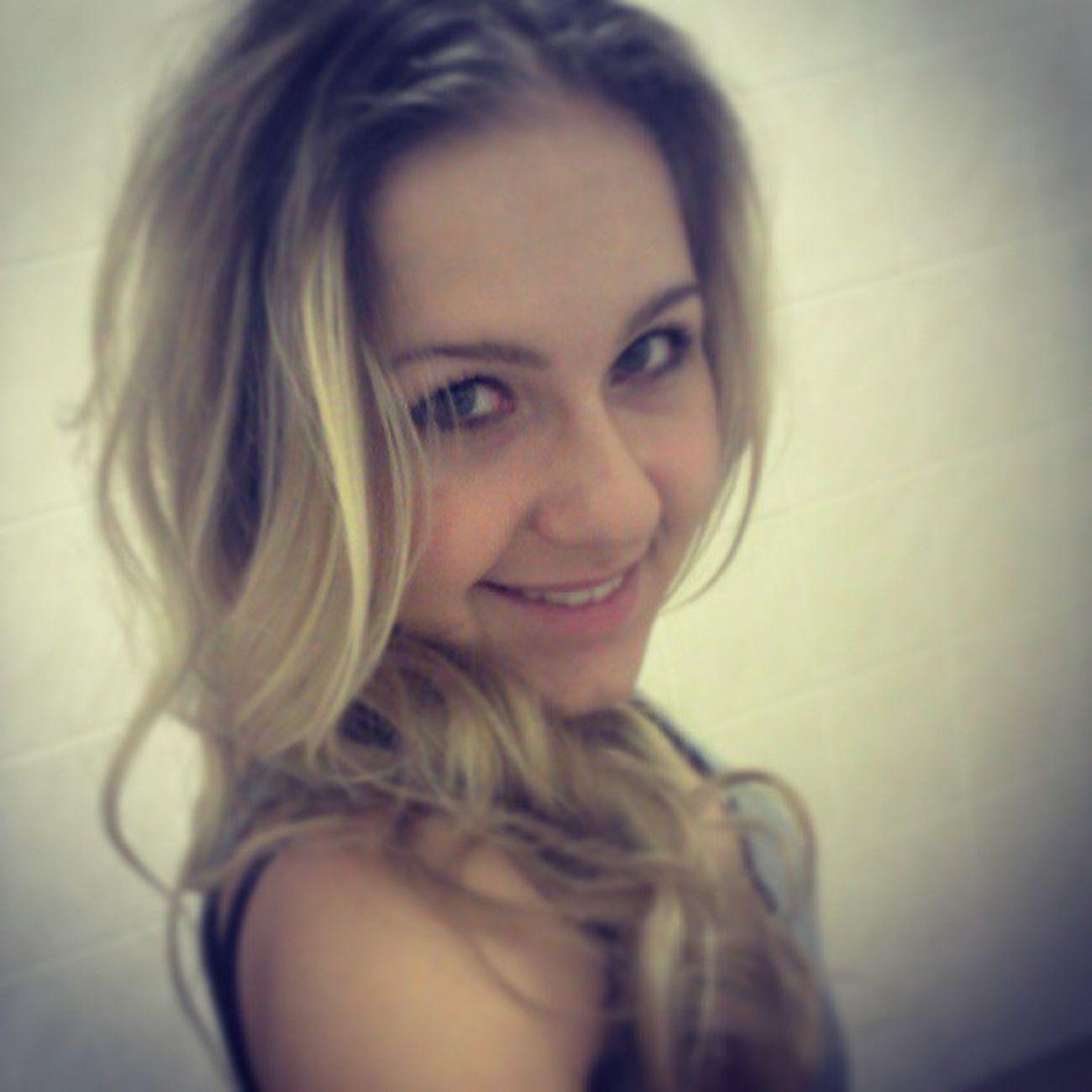 smile smile smile! :D Blondie Prettygirlswag Infinity Much picoftheday instalady smile instasmile swag work job sexy style nice hair