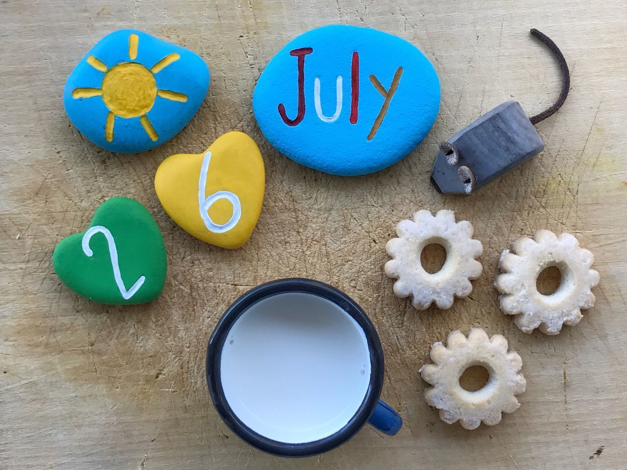 26 July with colored stones for breakfast 26July July26 Calendar Date Art Work Mouse Stones Breakfast Date July
