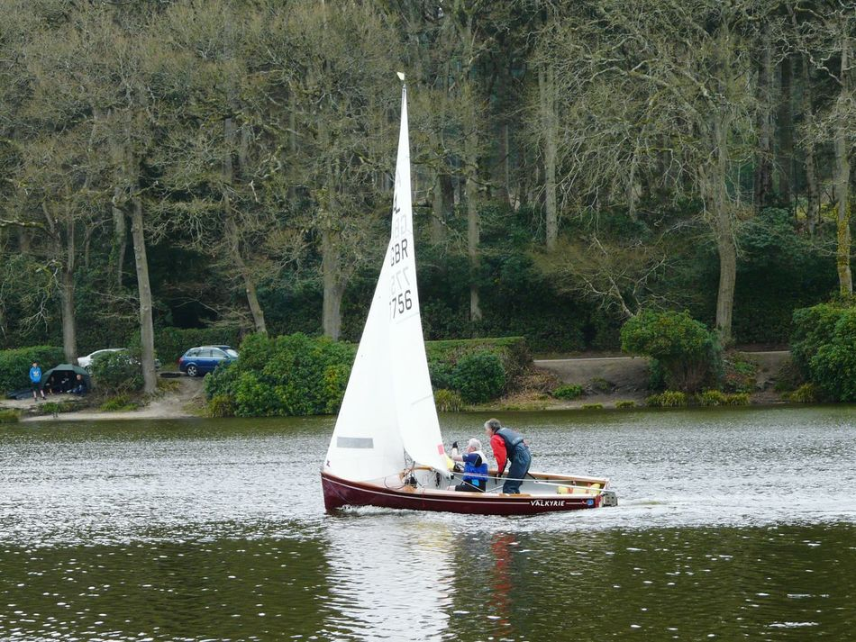 Sailing Boat Taking Photos Sail Boat Tacking Photography In Motion Boat Races Relaxing Taking Photos Lakeside Walk