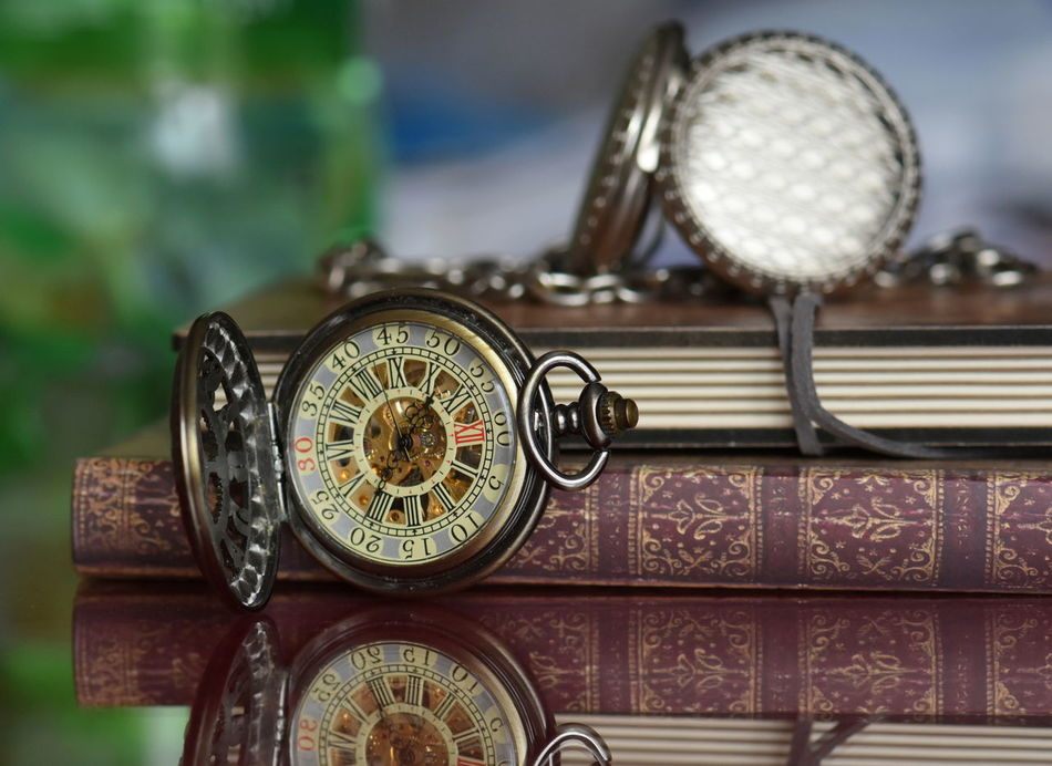 Antique Books Books ♥ Clock Close-up Communication Indoors  Old-fashioned Pocket Watch, Antiques, Eyeem Best Edits, Pocket Watches Technology Time Watch