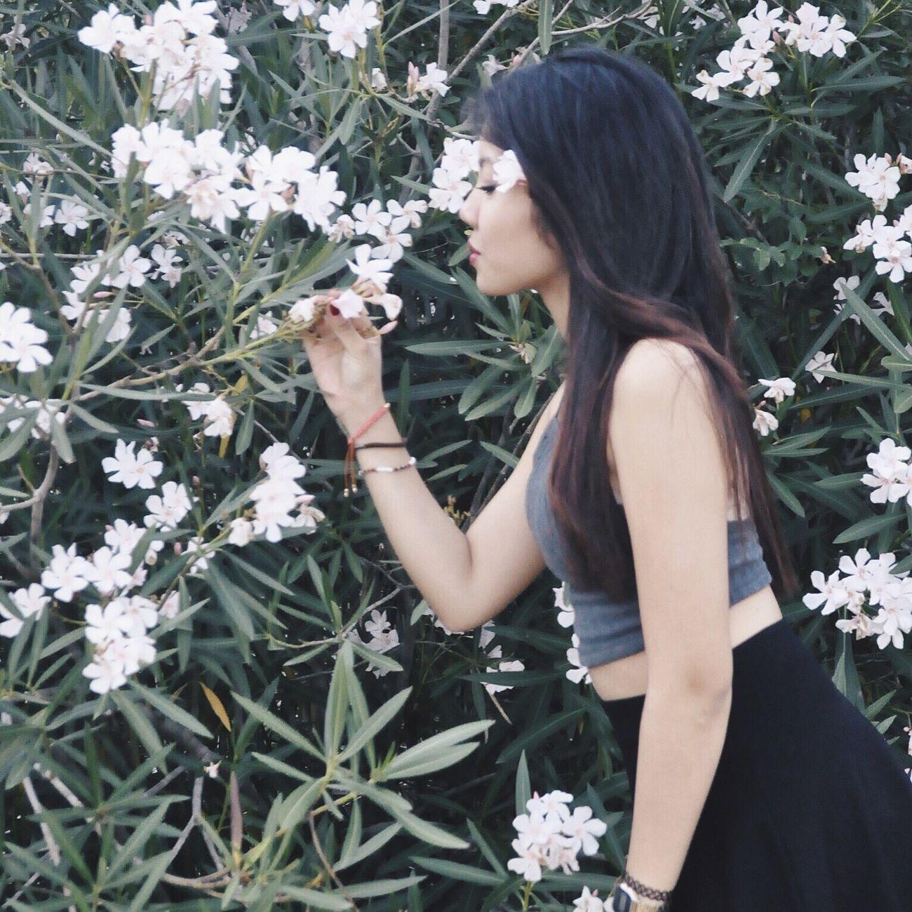 Photoshoot Taking Photos Flowers Girl Girls Asian  Filipina Pinay Filipino Fashion