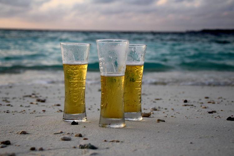 Sommergefühle Bier Bière Bier Time Strand Meer Sandstrand Sonnenschein  Sea Welle Morgenstimmung 3er d Durst Lecker Leckerschmecker Calsberg