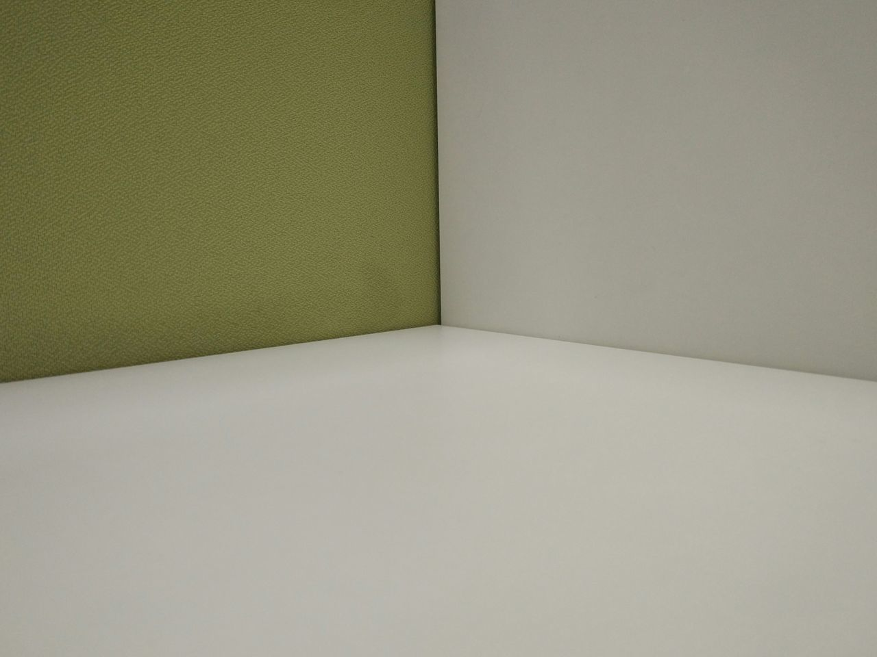 My work place Indoors  Sparse No People Day No Edit/no Filter Interesting Simple Beauty White Color Symmetry MIphotography