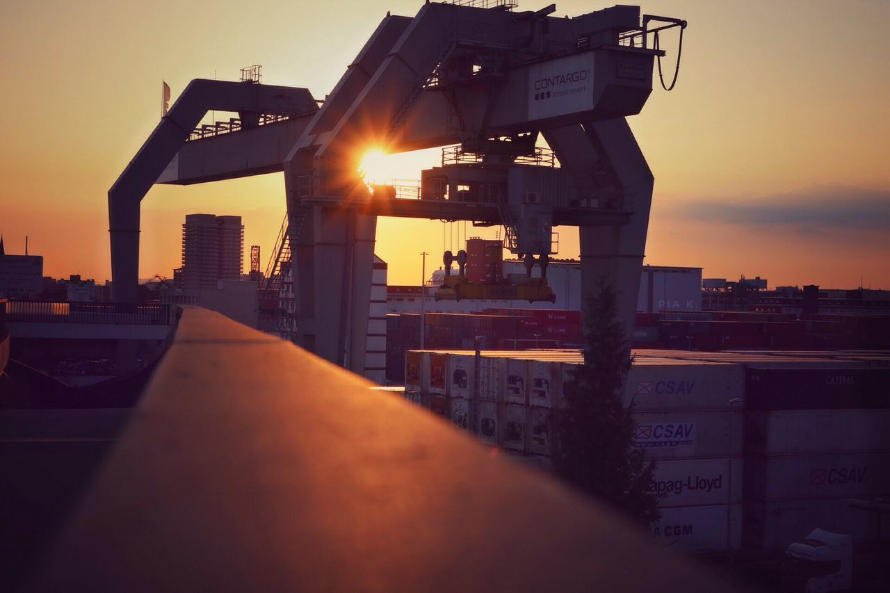 sundown 🌅 Sunset Sun Sundown Summer Sunlight Sunshine Bridge Brücke Industrie Hafencity Ludwigshafen Outdoors Sky Germany Deutschland Clear Sky Sonnenuntergang Architecture