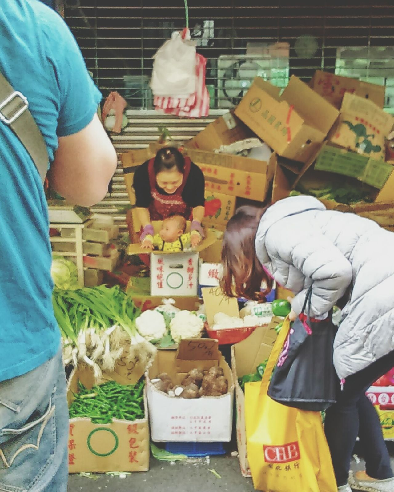 Mother And Son Love Motherlove Mother Freshness Selling Vegetables Outdoors Traditional Market Market Taiwanese Taipei Taiwan The View And The Spirit Of Taiwan 台灣景 台灣情