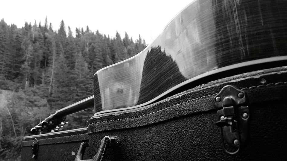 Hanging Out Taking Photos Enjoying Life Coco'sPics Outdoors Quebec, Canada Acoustic Guitar Love Guitar Addiction House Of Guitars Travels Camping Black And White Photography Guitar